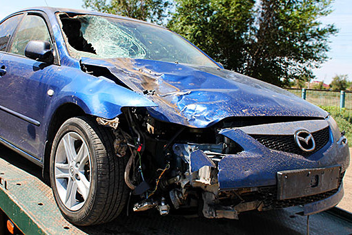 Депутат от ЛДПР Брянцев управляющий своей Mazda 6 сбил пешехода